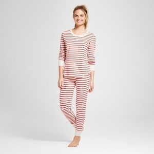 NWOT Heather Red & Oatmeal Thermal PJ Set